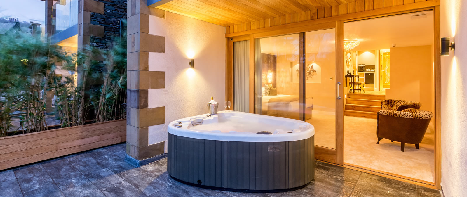 Applegarth Villa - Luxury Hot Tub Suite